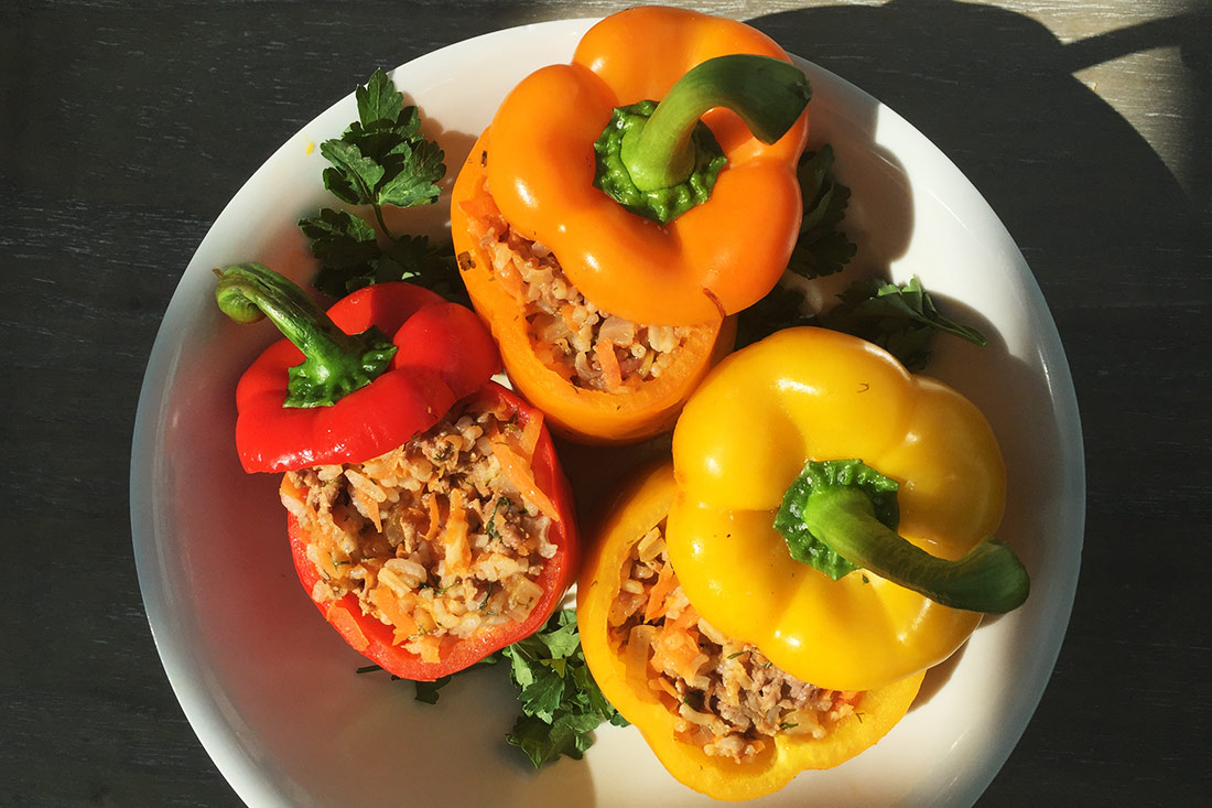 Moldovan stuffed peppers